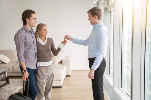 Las obligaciones legales y tributarias en el alquiler de viviendas turísticas.