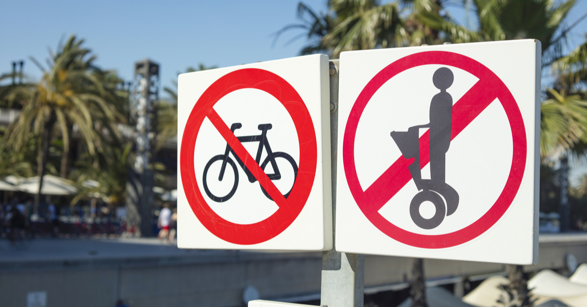 Señal de tráfico para patinetes, bicis