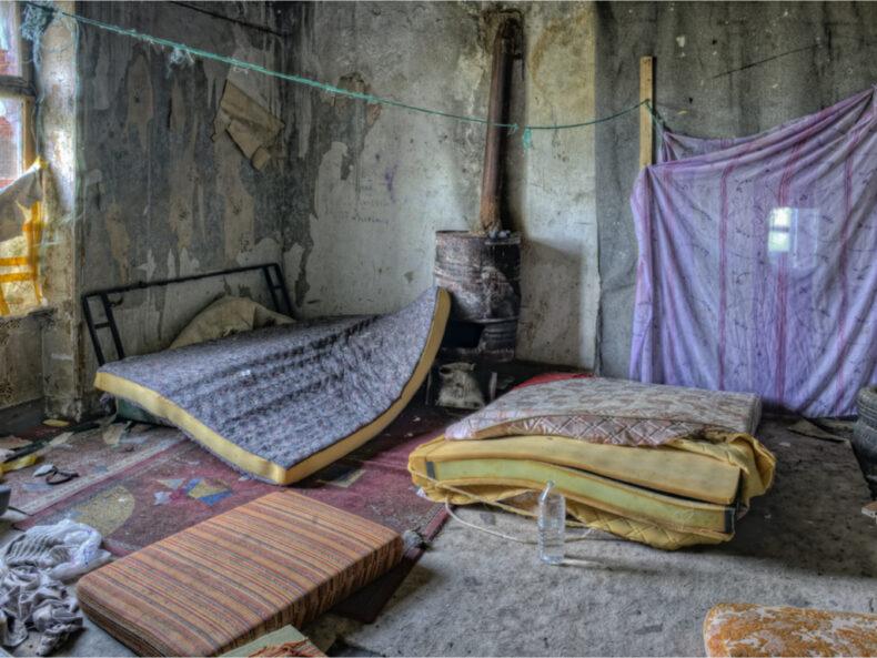 Ocupación de vivienda: ¿cómo expulsar a los okupas más rápidamente?